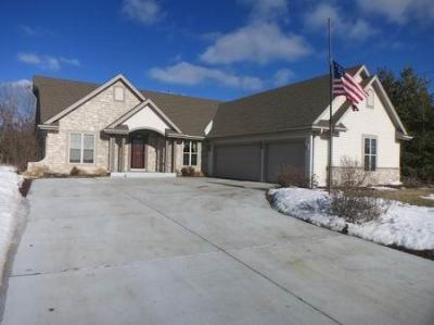 Photo of 9402 W Prairie Grass Way, Franklin, WI 53132