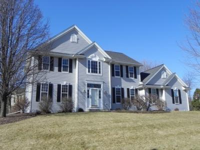Photo of W242N7321 Old Oak Dr, Sussex, WI 53089