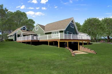 N7360 Chapel Dr, Whitewater, WI 53190