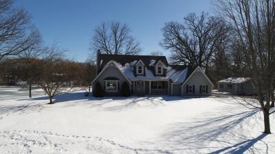 Photo of 28620 Martha Ct, Waterford, WI 53185