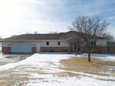 Photo of N1537 Meadow Ridge Rd, Greenfield, WI 54601