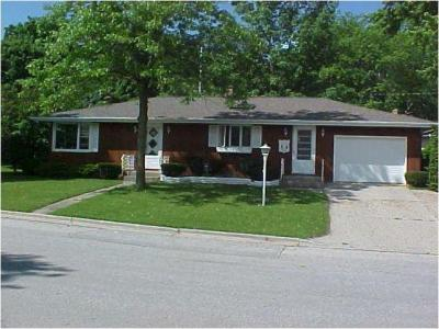 Photo of 304 W Lake Dr, Random Lake, WI 53075