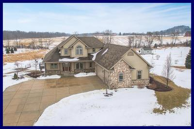 Photo of 5273 Fox Hollow Dr, Richfield, WI 53027