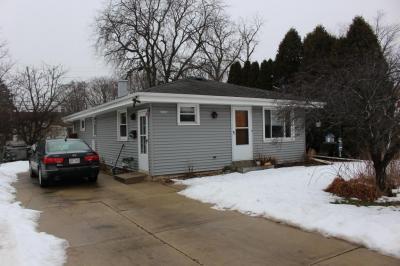 Photo of 10827 W Copeland Ave, Hales Corners, WI 53130