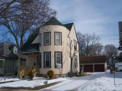 Photo of 711 Oakland Ave, Waukesha, WI 53186