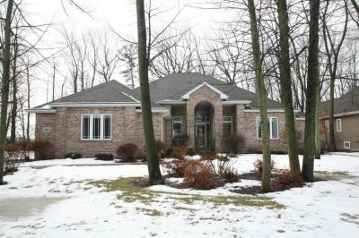 Photo of 497 Oriole Ln, Howards Grove, WI 53083