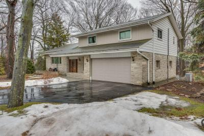 Photo of 6880 N Beech Tree Dr, Glendale, WI 53209