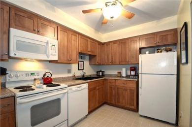 805 E Henry Clay St, Whitefish Bay, WI 53217