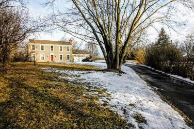 Photo of 424 Bron Derw Dr, Wales, WI 53183