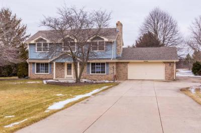 Photo of W298S2722 Ridgewood Dr, Genesee, WI 53188