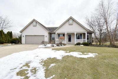 Photo of W125S8592 Country View Ct, Muskego, WI 53150