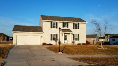 Photo of 580 Farmstead Dr, Slinger, WI 53086