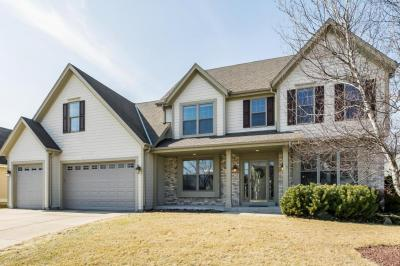 Photo of 475 Tanager Dr, Grafton, WI 53024