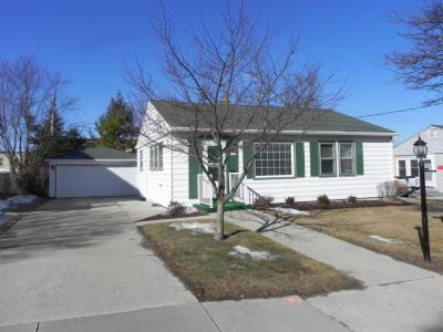 Photo of 1321 13th Ave, Grafton, WI 53024