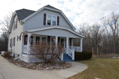 Photo of 9051 S Chicago Rd, Oak Creek, WI 53154