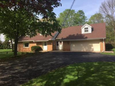 Photo of 4151 S Sunnyslope Rd, New Berlin, WI 53151