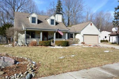Photo of 712 Marshal Ct, West Bend, WI 53090