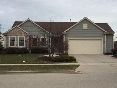 Photo of 701 Creekside Dr, West Bend, WI 53095