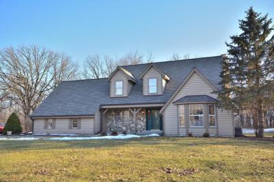Photo of S14W32675 Forest Hills Dr, Genesee, WI 53018