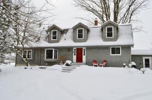Photo of 2165 Maple Rd, Grafton, WI 53024