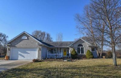 Photo of 1134 Shoal Ridge Rd, Oconomowoc, WI 53066