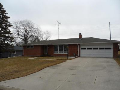 Photo of 19 E Riverbend Dr, Plymouth, WI 53073