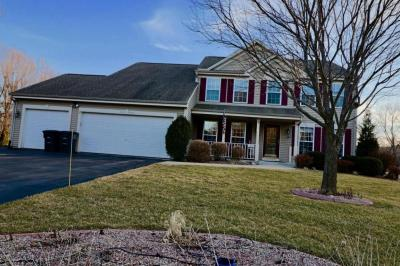 Photo of W230N7062 Canyon Meadows Ct, Sussex, WI 53089