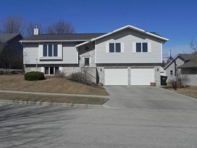 Photo of 306 Heron Dr, West Bend, WI 53095
