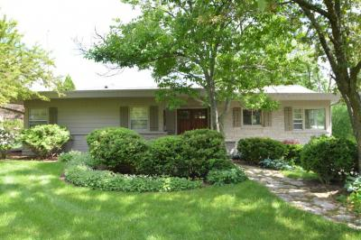 Photo of 5428 W Parkview Dr, Mequon, WI 53092
