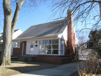 Photo of 5140 N Elkhart Ave, Whitefish Bay, WI 53217
