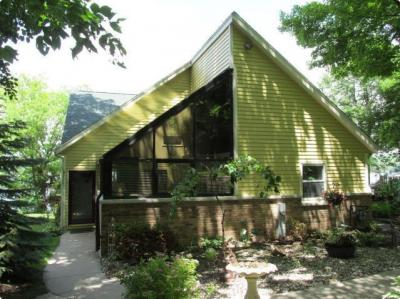 Photo of 3817 Thoma Park Dr, West Bend, WI 53095