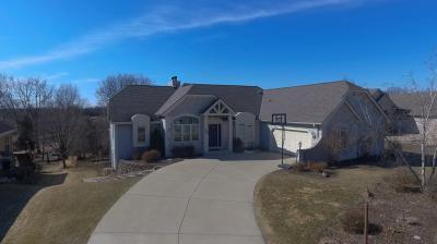 Photo of 1060 River Knoll Cir, Oconomowoc, WI 53066