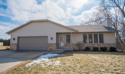 Photo of 991 Woodview Ct, Slinger, WI 53086