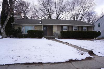 Photo of 684 S 6th Ave, West Bend, WI 53095