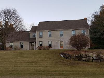 Photo of 268 Birch Rd, Delafield, WI 53018
