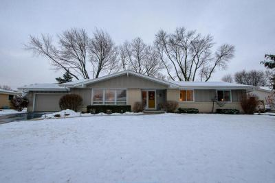 Photo of 13715 W Park Ave, New Berlin, WI 53151