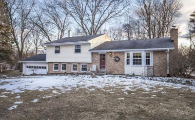 Photo of 17865 Maple Tree Ln, Brookfield, WI 53045