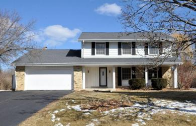 11400 N Country View Dr, Mequon, WI 53092