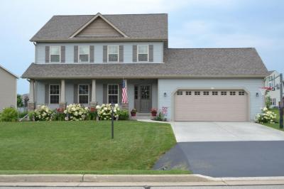 Photo of 562 S Buth Rd, Dousman, WI 53118