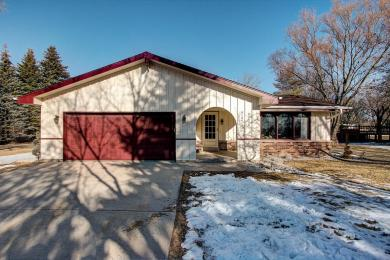 W164N9976 Robins Way, Germantown, WI 53022