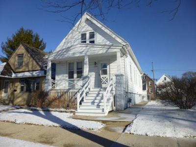 Photo of 3946 E Barnard Ave, Cudahy, WI 53110