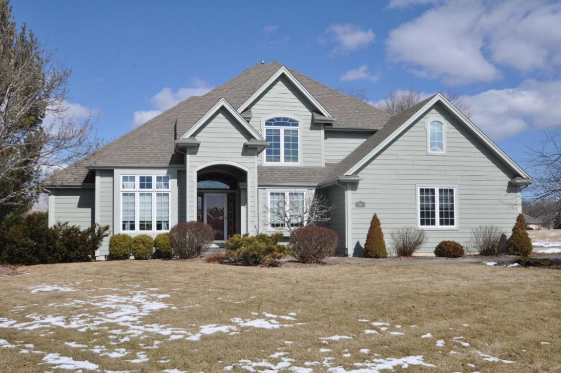 214 Green Valley Dr, Mount Pleasant, WI 53406