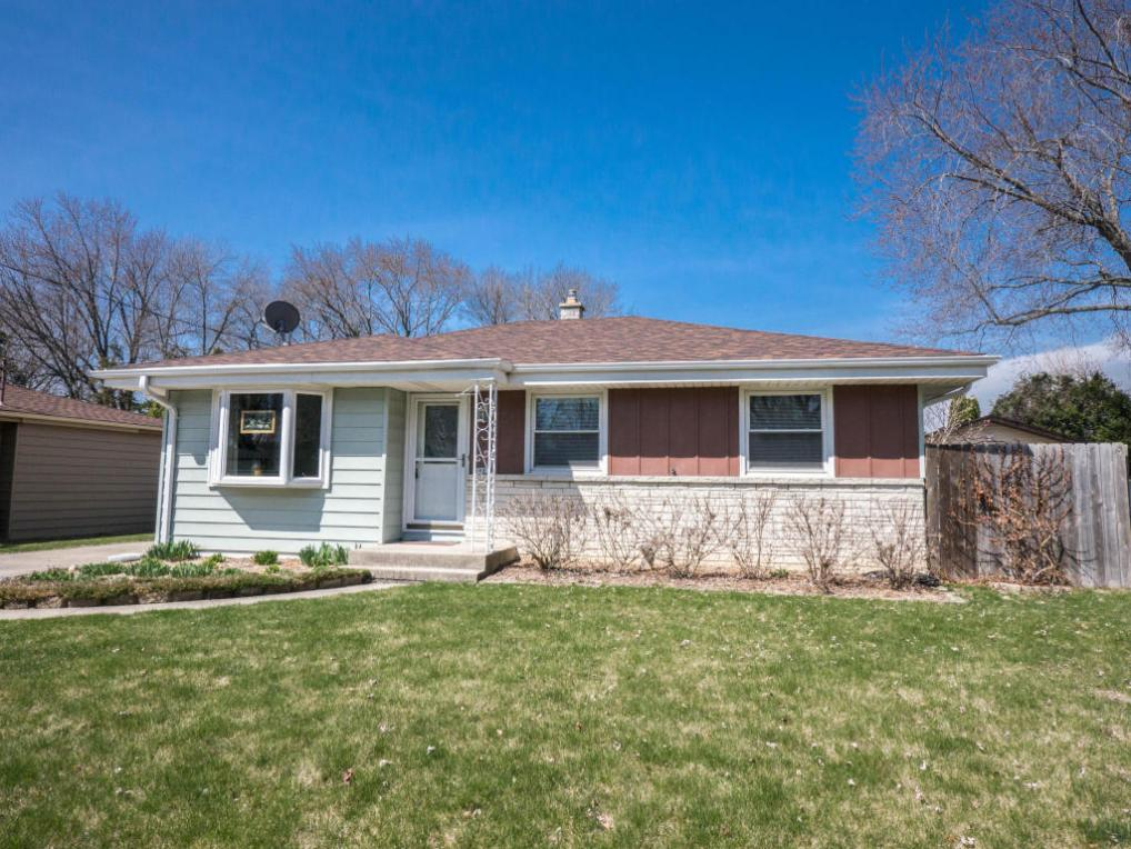 6881 N 45th St, Milwaukee, WI 53223