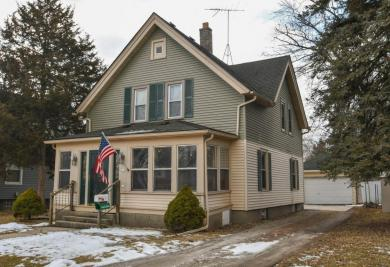 619 South St, Oconomowoc, WI 53066