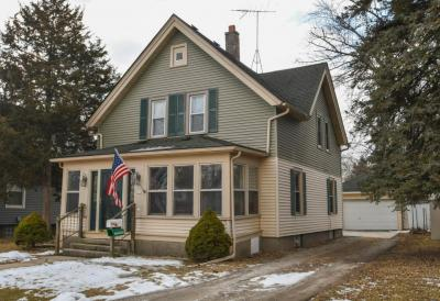 Photo of 619 South St, Oconomowoc, WI 53066