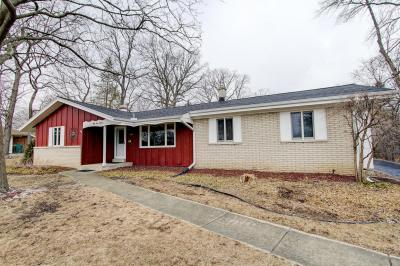 Photo of 5514 Oxford Dr, Greendale, WI 53129