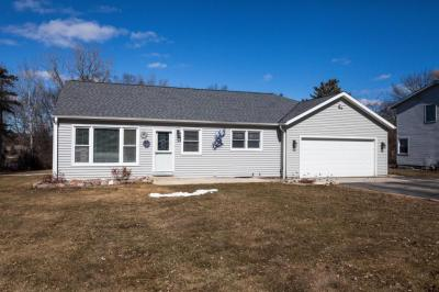 Photo of 17734 W West View Ln, New Berlin, WI 53146