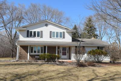 Photo of 2808 W Chestnut, Mequon, WI 53092