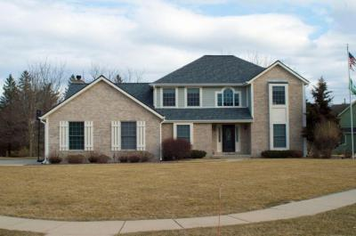 Photo of 671 Cassie Lynn Ln, Oconomowoc, WI 53066