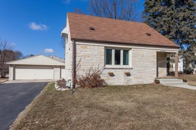 Photo of W232N6211 Waukesha Ave, Sussex, WI 53089